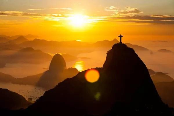 Por do sol no Rio de Janeiro,  a 17ª  colocada na lista das 20 melhores  cidades