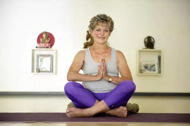 Joanna Luiza Belló, 85, começou a fazer yoga há 40 anos