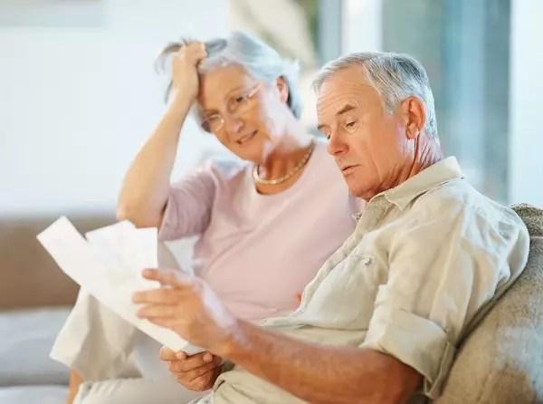 47% dos brasileiros pesquisados disseram que teriam gastado bem menos antes de se aposentar
