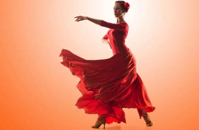 Ela já tentou inclusive fazer dança flamenca, mas descobriu que a essa altura da vida parece difícil coordenar braços, pernas e castanholas