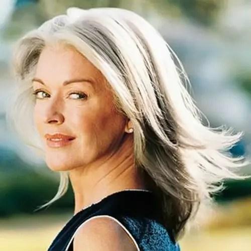 Com o envelhecimento, os cabelos vão mudando e exigem mais cuidados
