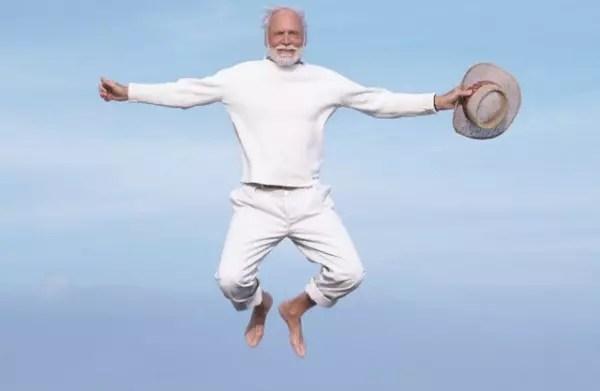 aposentadoria por idade pode ser requerida aos 60 anos para a mulher e aos 65 anos para o homem