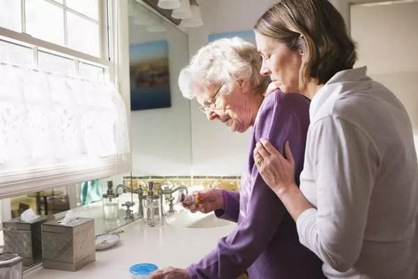 Cuidar dos nossos pais quando esses envelhecem é uma das mais difíceis tarefas que existe