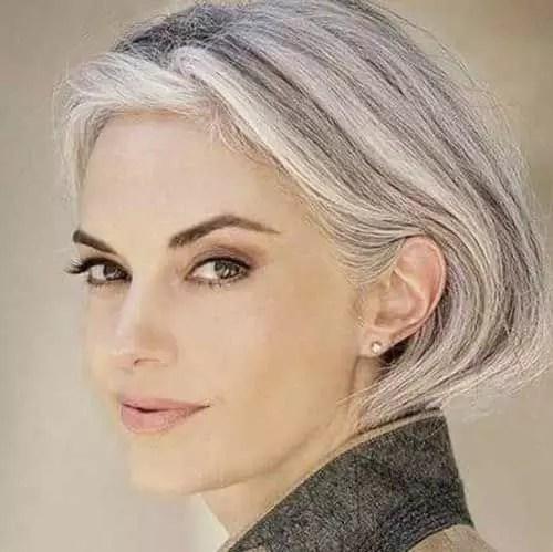 Deixar os cabelos brancos acabou virando moda