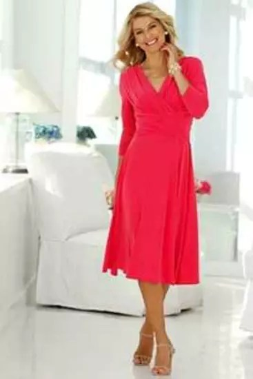 O que mais gosto é a cor deste vestido