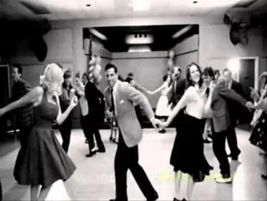 A dança quente da época era o twist,que se espalhou para o mundo inteiro
