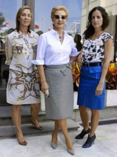 Carolina Herrera vestida de saia e blusa: uma variação dos outros trajes dela