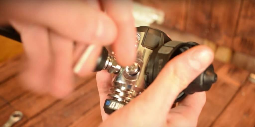 how to assemble scuba regulators