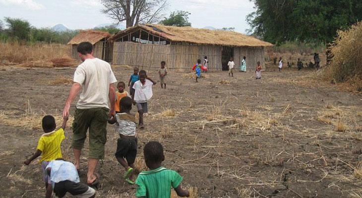 volunteering abroad africa