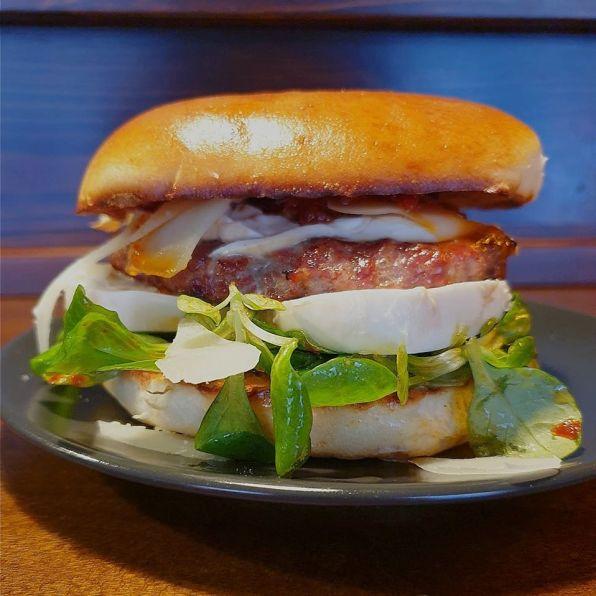 Burger di maiale con bufala - Pork'n'Roll