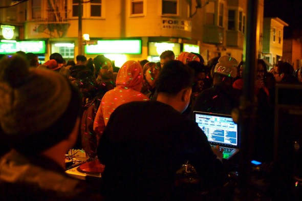 Hip hop dj in the streets