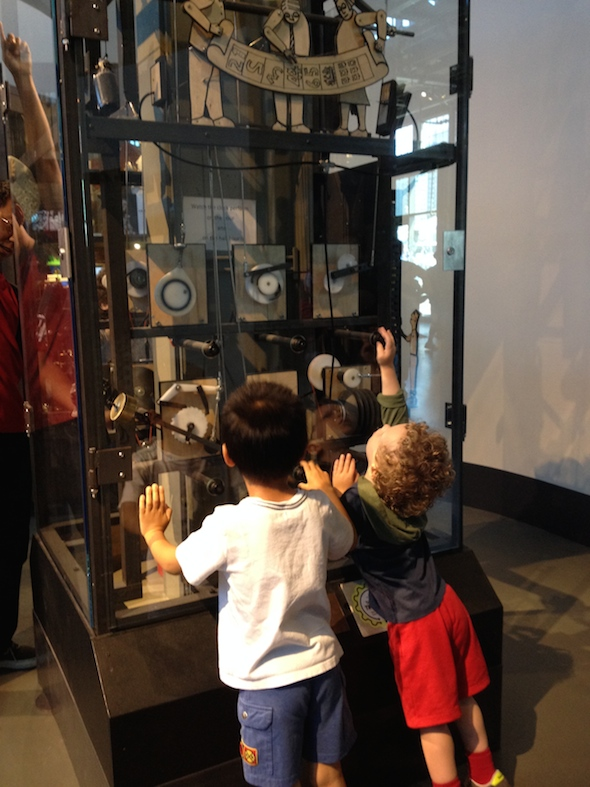 The 3-year olds guide to the Exploratorium #preschoolers #toddlers #sanfrancisco