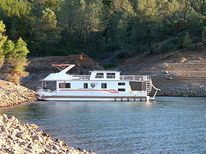 houseboat lake shasta