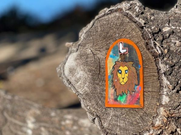 "Letter ""L"" fairy door on Bay Farm Island | Photo: Julia Gidwani"