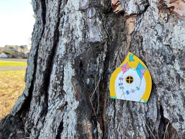 "Letter ""K"" fairy door on Bay Farm Island | Photo: Julia Gidwani"