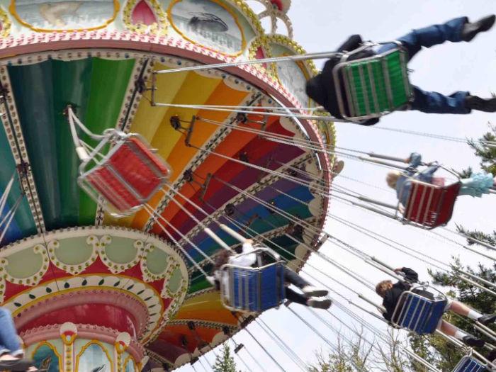 Six Flags Discovery Kingdom wave swinger