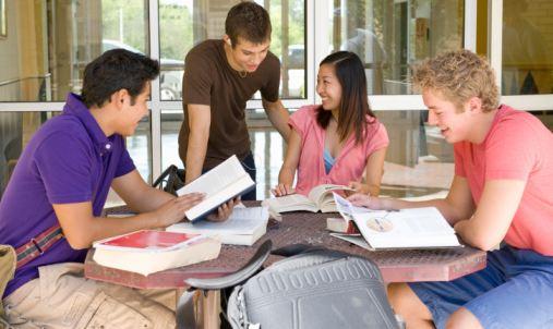 寫作技巧-如何提高自己的英文論文寫作能力-51Due留學教育