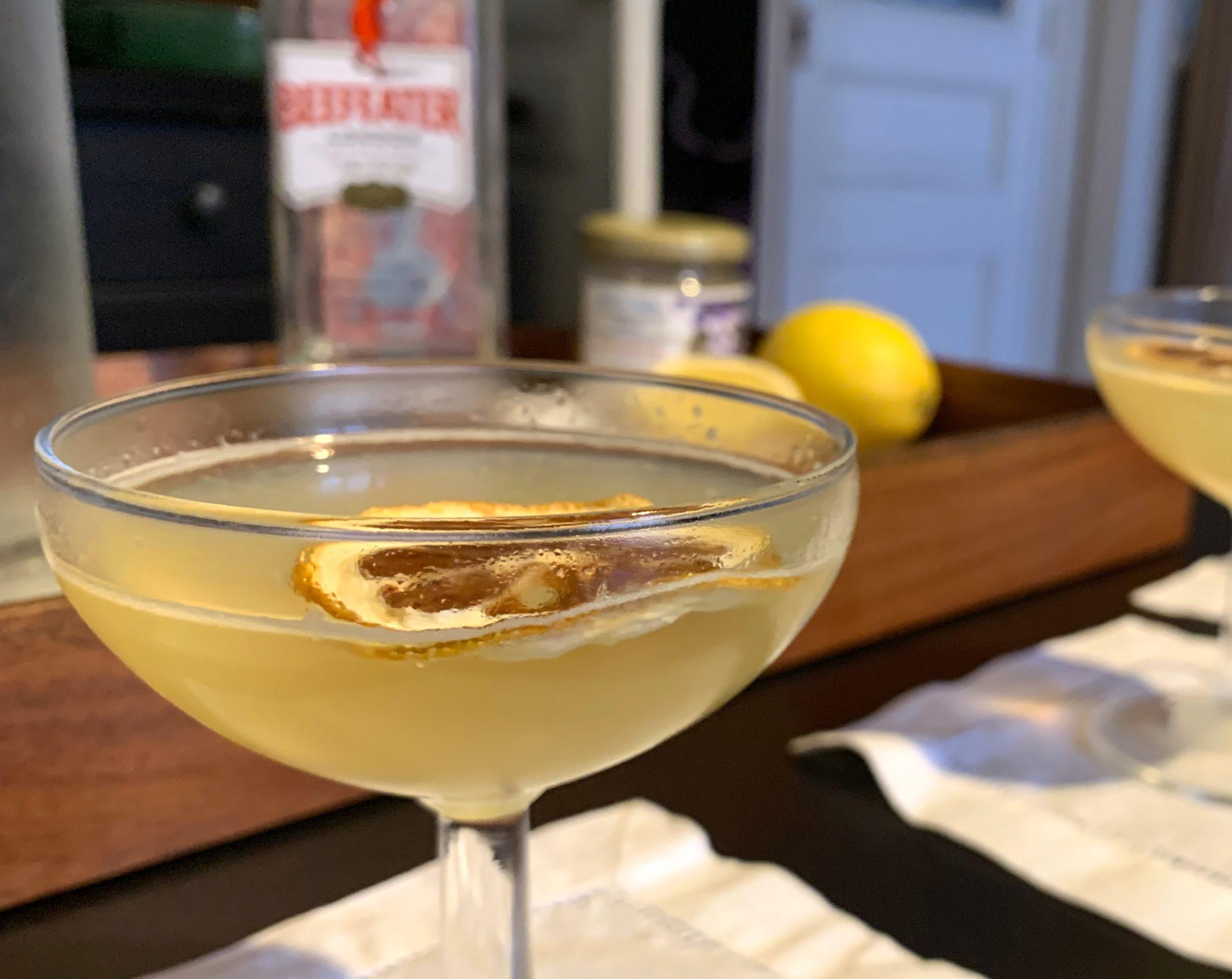 bee's knees cocktails