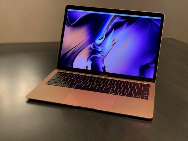 Apple Breathes Life Macbook Air 5 Reasons