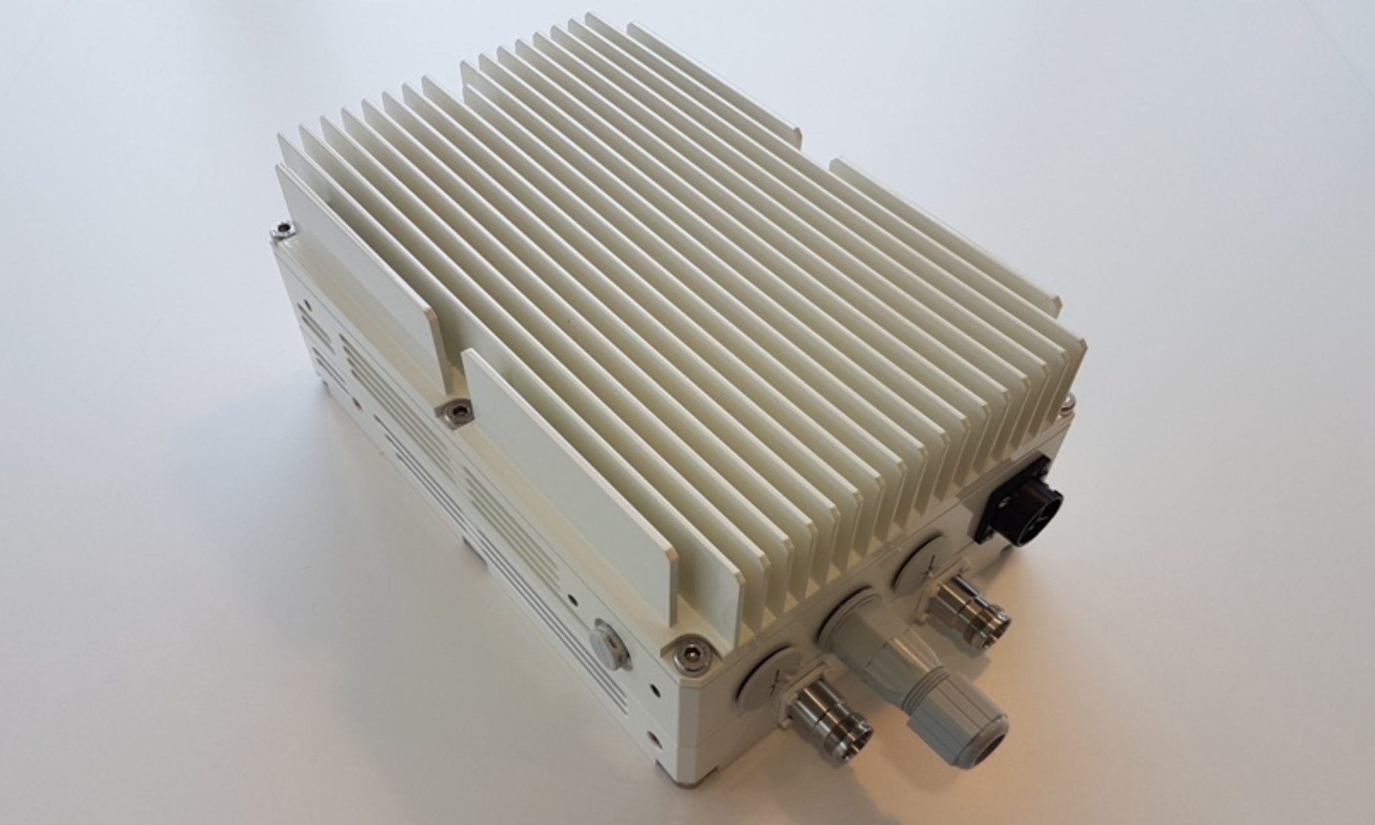 CableFree Remote Radio Head (RRH) used for 5G-SA and 5G-NSA networks