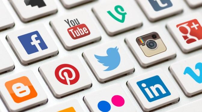 Facebook, Twitter: Μου ανήκουν δημοσιεύσεις και φωτογραφίες;