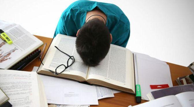 """Οδηγός διαχείρισης του άγχους των εξετάσεων από την Ένωση """"Μαζί για το Παιδί"""""""