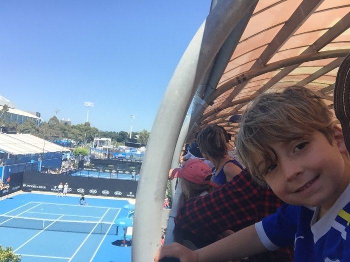 Federer practicing