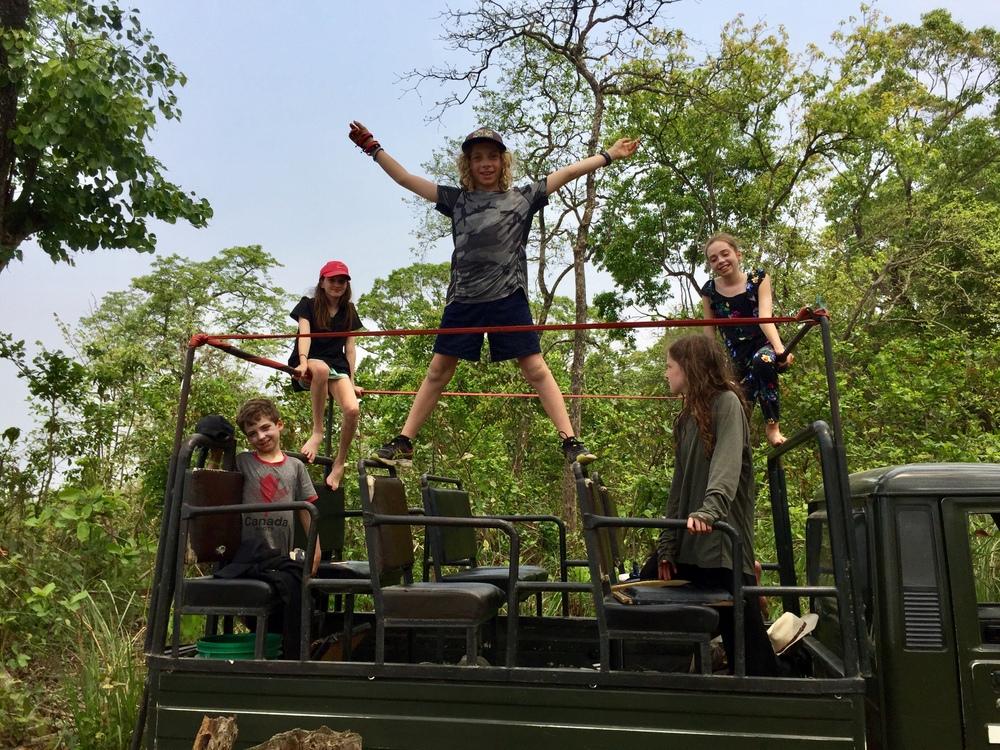 Nepal safari jeep