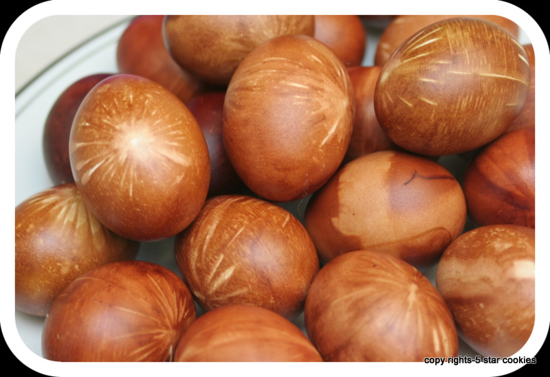 naturally dyed eggs using onion skin 5starcookies food blog