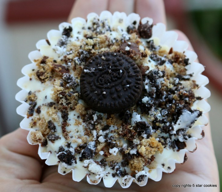 Homemade Crunch Chocolate Cups your Bond Food from the best food blog 5starcookies -Dream big and tall