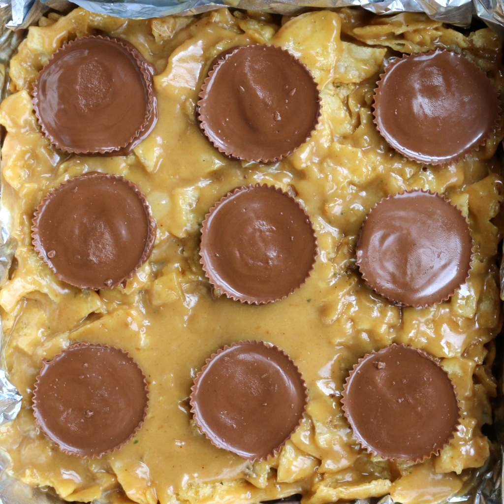 Kettle Potato Chips Crunch Bar from the best food blog 5starcookies-add peanut butter cups