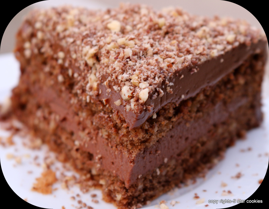 Ferrero Rocher Torte from the best food blog 5starcookies -First Layer cake+Enjoy your cake