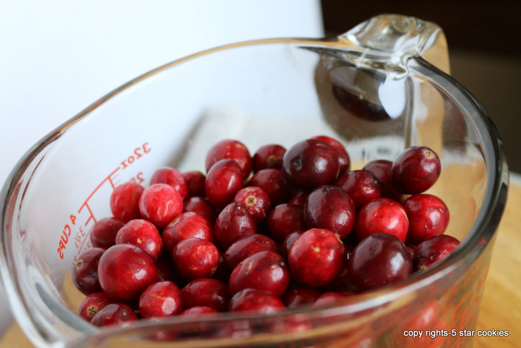 Cranberry juice from the best food blog 5starcookies-enjoy benefits