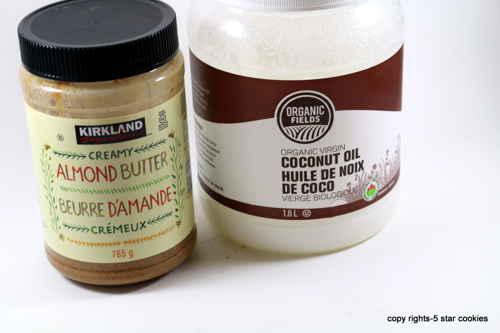 Healthy Fat Bombs from the best food blog 5starcookies-coconut oil and almond butter