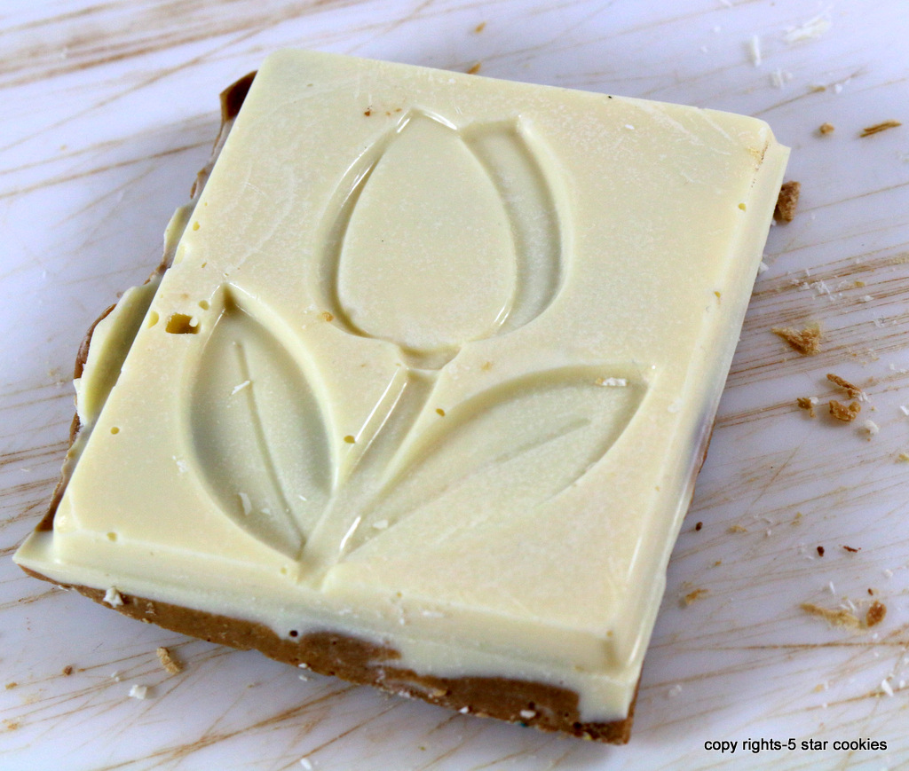 Sweet Home Alabama Bark from the best food blog 5starcookies -crack them into squares and enjoy