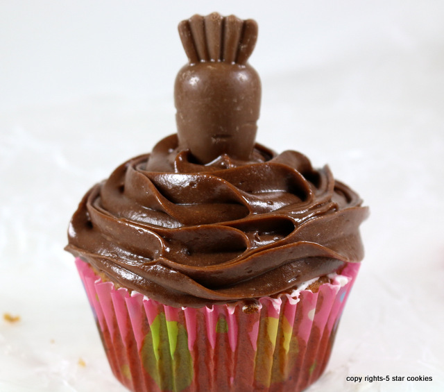The best Nutella carrot cupcakes from the best food blog 5starcookies-frost the baked cupcakes