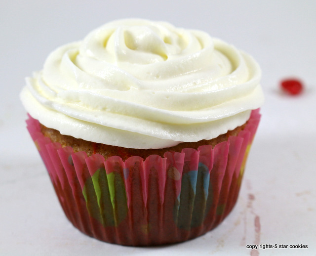 the best cheese carrot cupcakes from the best food blog 5starcookies-be kind and share this cupcakes