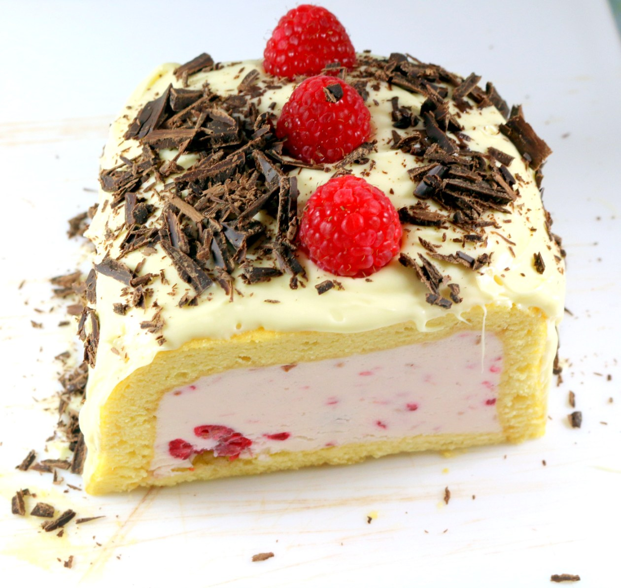 White Raspberry Dream Roulade from the best food blog  5starcookies-enjoy and share