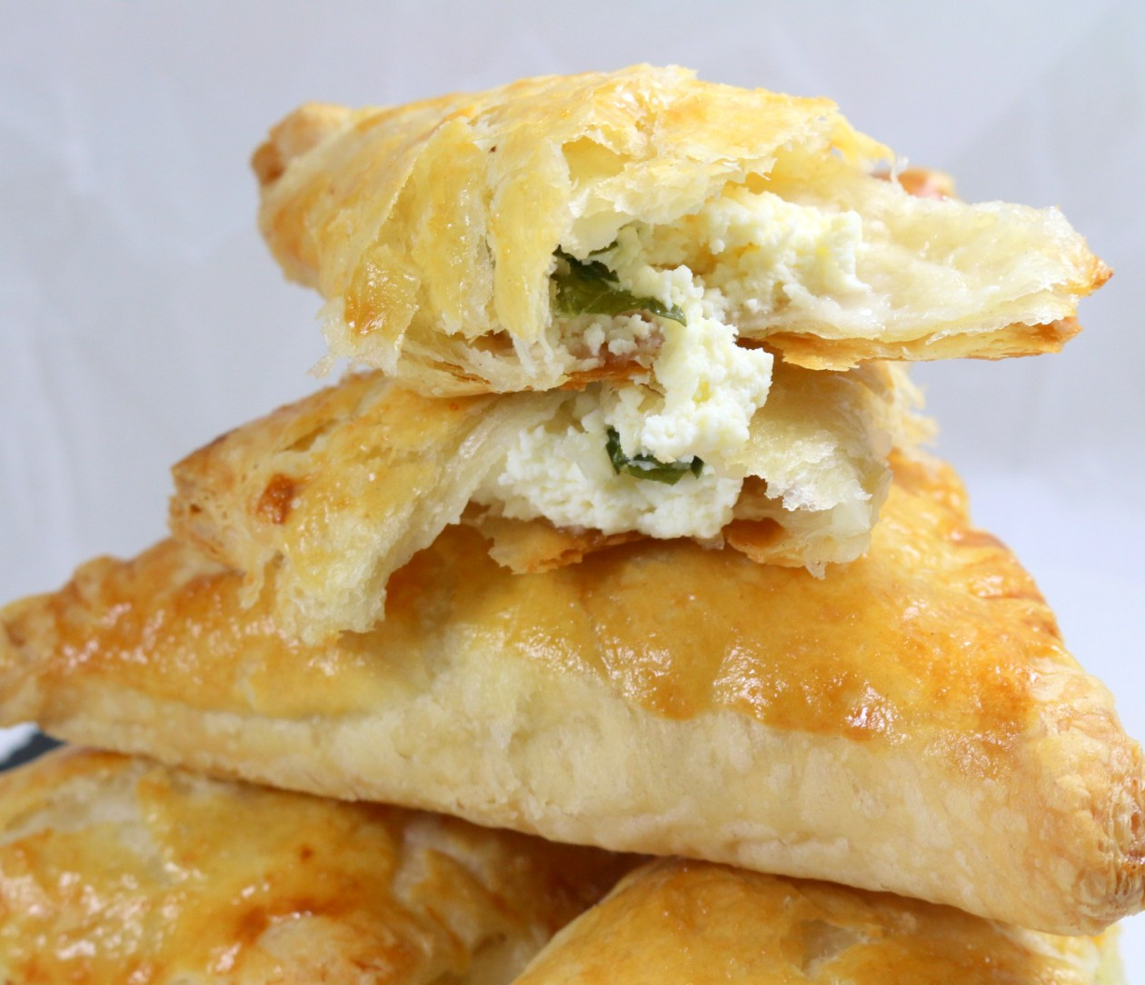 cheese puff pastry from the best food blog 5starcookies -enjoy and share