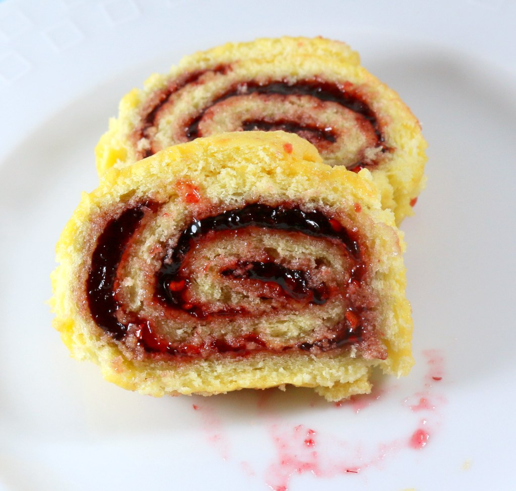 Raspberry Roll Cake from the best food blog 5starcookies - plain Jane roll cake