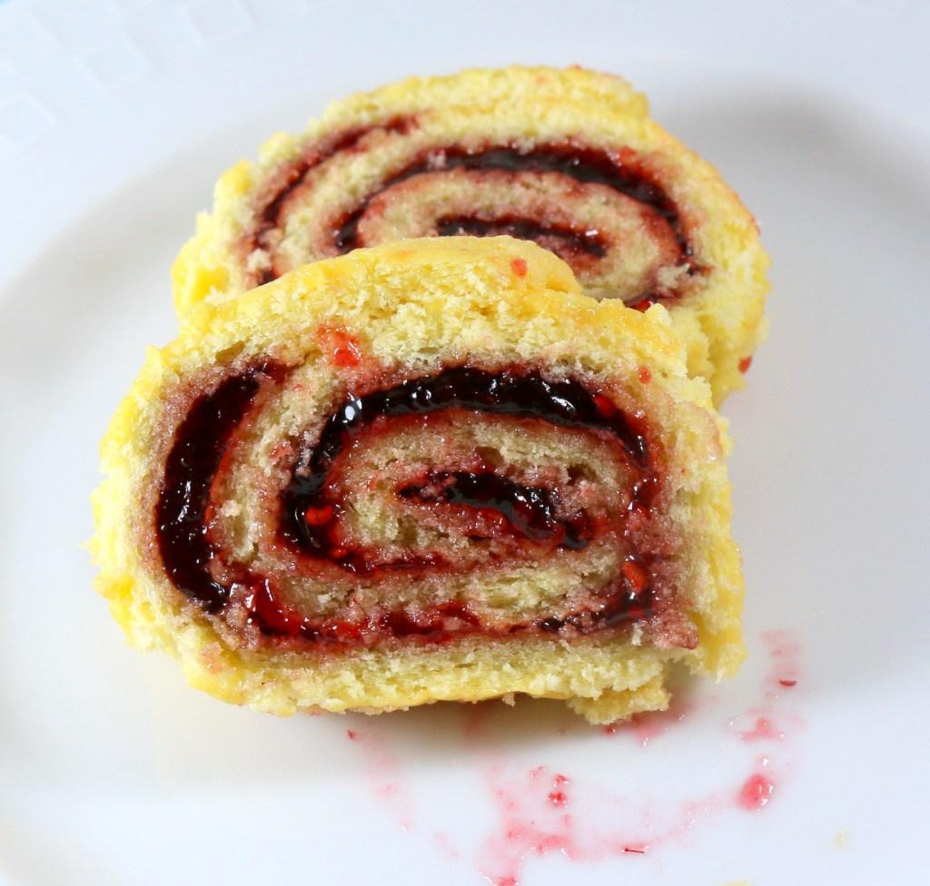 Raspberry Roll Cake from the best food blog 5starcookies - plain Jane roll cake