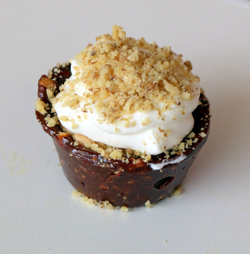 eat more peanut butter walnuts mini pie from the best food blog 5starcookies-the best no bake recipe for this summer