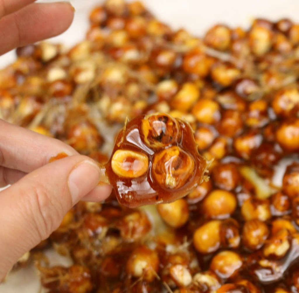 caramelized hazelnuts-break apart into desired sizes