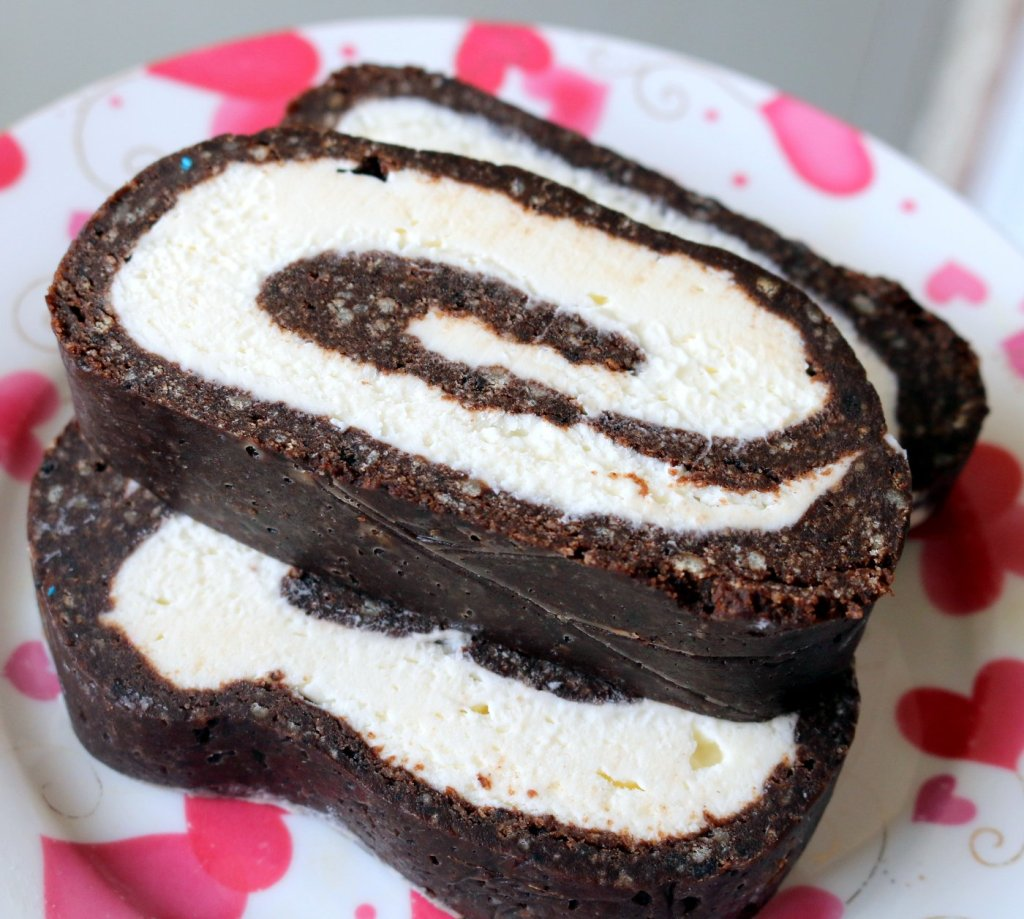 chocolate chip cookies roulade-slice into desired sizes
