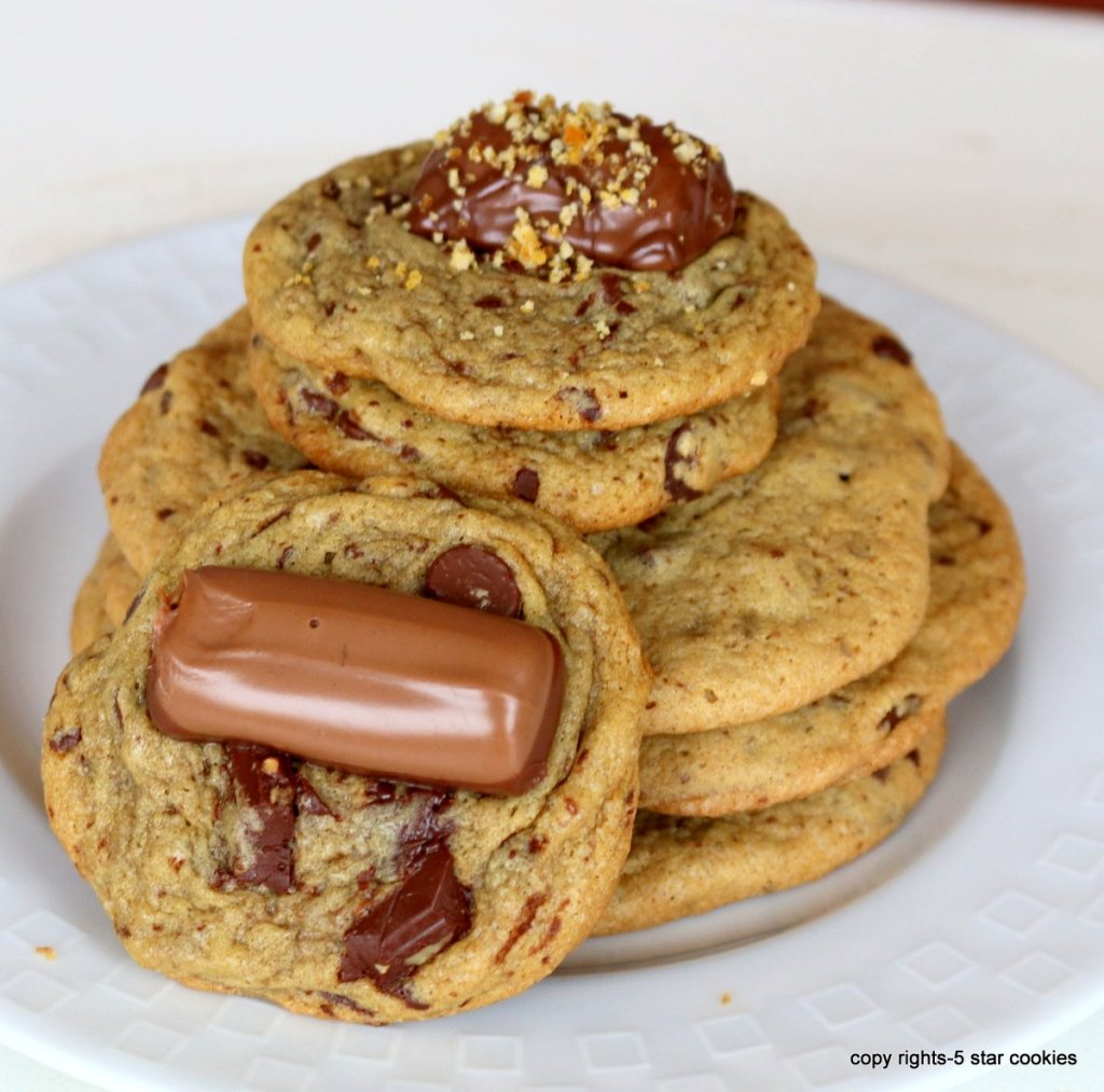 how to play with soft chocolate chip cookies
