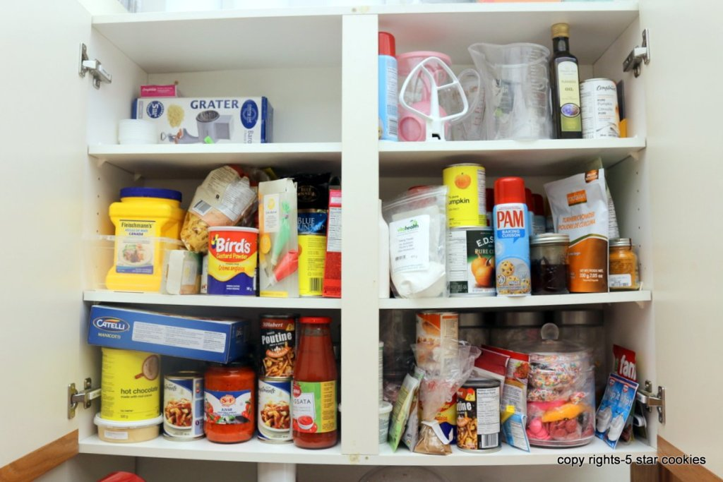 organize your kitchen cabinets - before