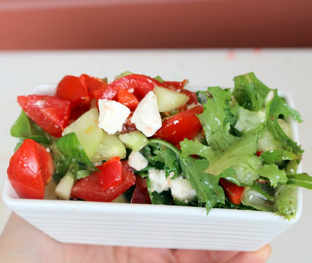 healthy Greek salad - easy recipe