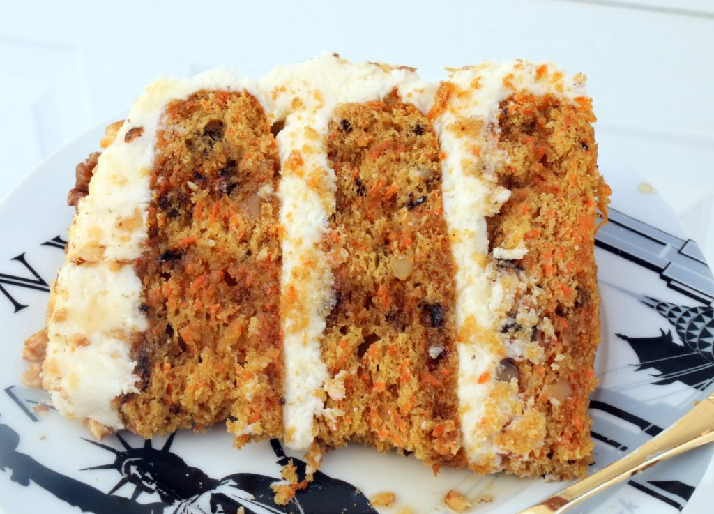time to taste the best maple filling and maple carrot cheese cake