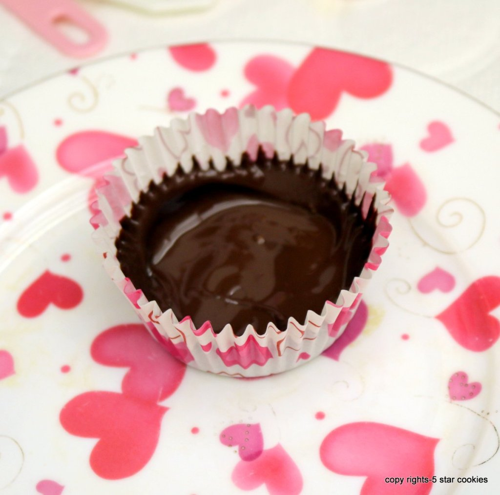 banana nutella cups -Distribute the melted chocolate
