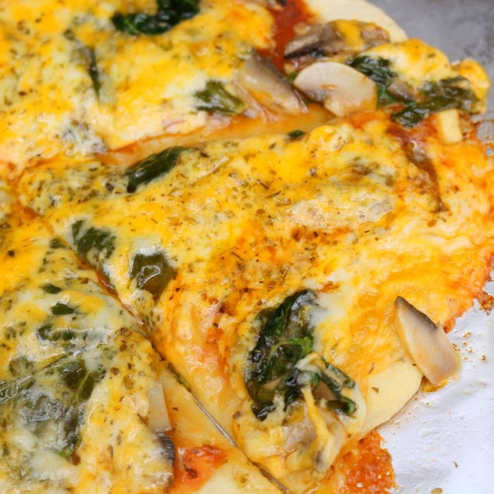 How to make Garlic Spinach Pizza
